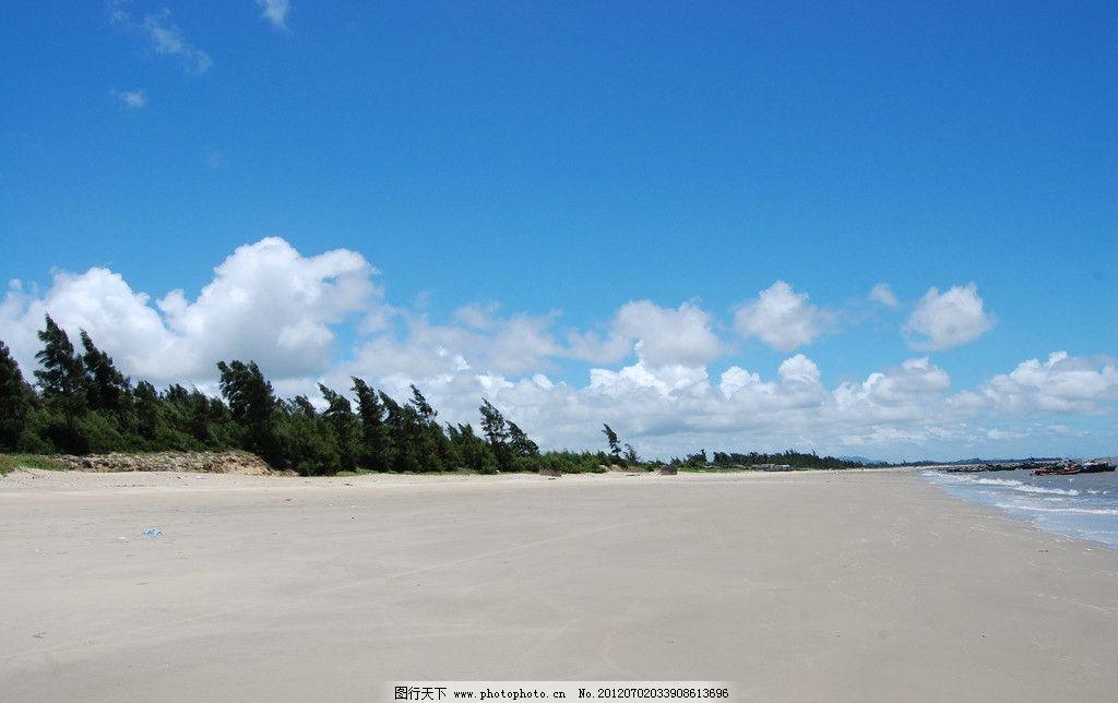 海边 沙滩 蓝天 白云 阳光 林带 渔船 浪花 草地 海滩 国内旅游 旅游