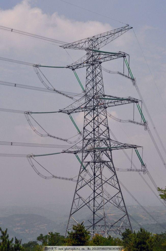 铁塔 山顶 高压输电线路