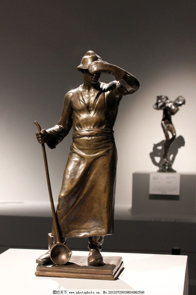 人物雕塑 欧洲艺术 欧洲雕塑 欧式雕塑 国外雕塑 西方雕塑 欧洲风格 雕塑 雕刻 铜像 石雕 西方 欧洲 人物 男人 雕塑艺术 古典雕塑 建筑园林 摄影 300DPI JPG