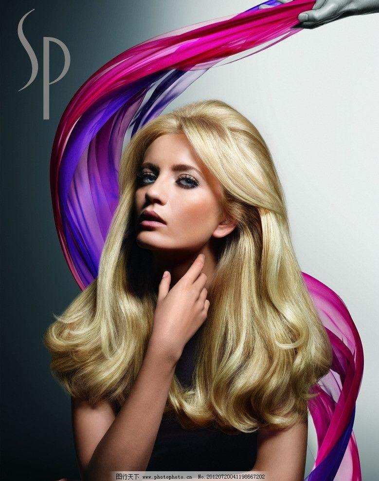 发型 秀发 卷发 飘带 焗油发型 发型模特 女发型 女性妇女 人物图库图片