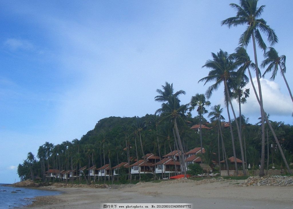 巴厘岛风光 巴厘岛 大海 海滩 沙滩 房屋 椰树 蓝天白云 远山 国外