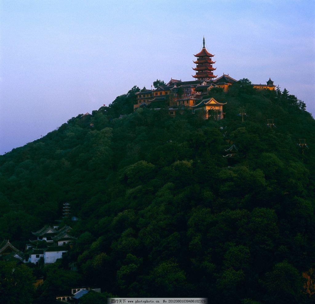狼山风景图 南通 远景 山峦 绿树 绿山 树林 山脚 寺庙 建筑摄影