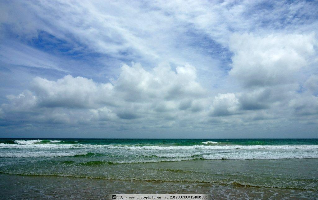 大海/乌云密布下的大海图片