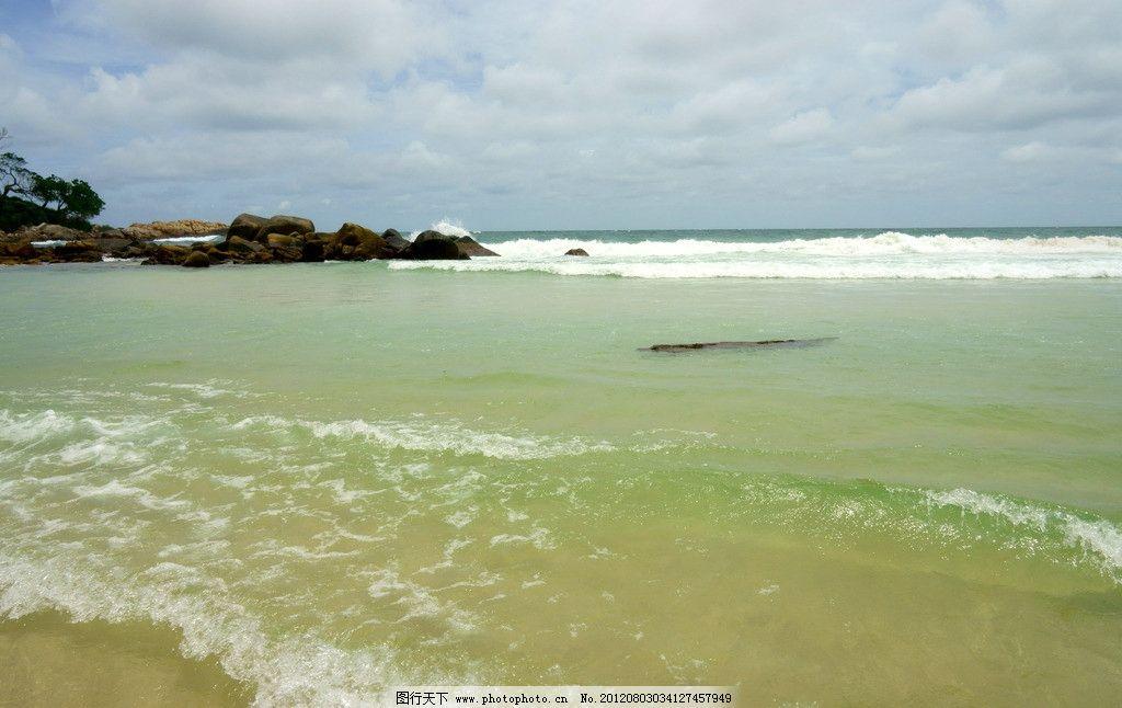 海边沙滩 印度尼西亚 旅游 巴厘岛 景点 海边 大海 海滩 岩石 礁石