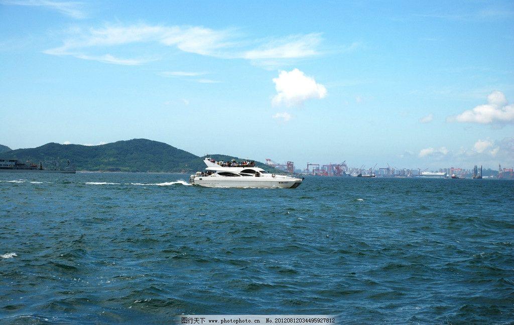 蓝天白云 大海 船 大船 游船 快艇 山水风景 自然景观 摄影 300dpi