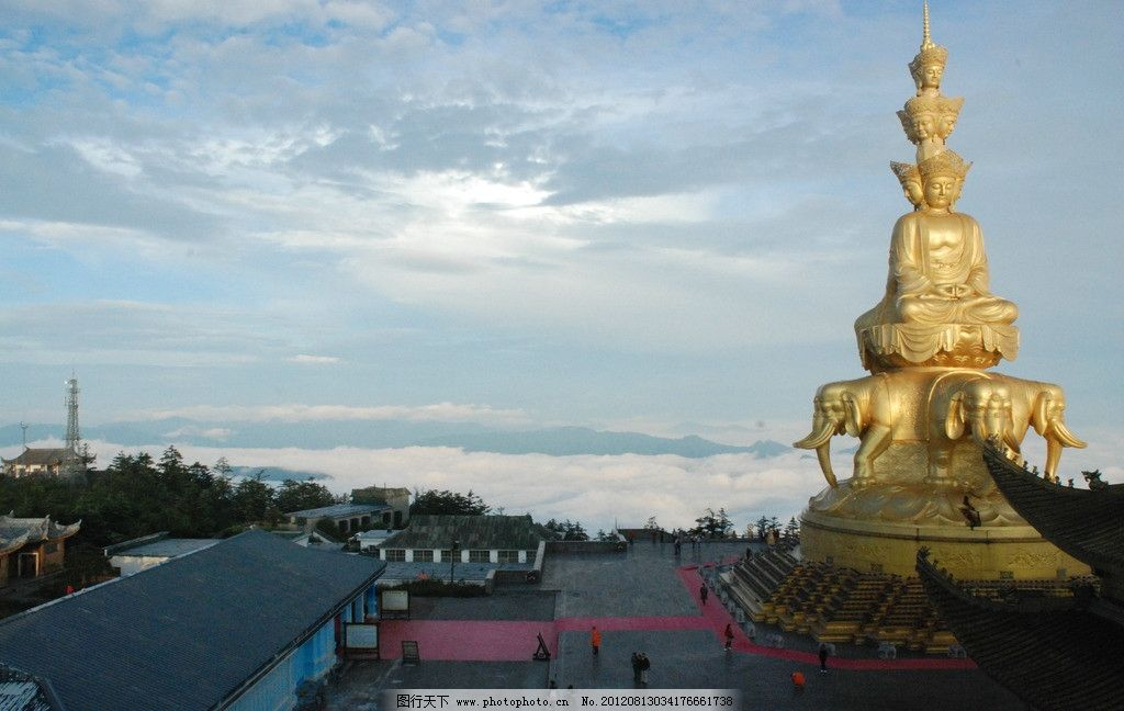 四川峨嵋山图片,佛塔 雕塑 金黄 佛像 游客 国内旅游