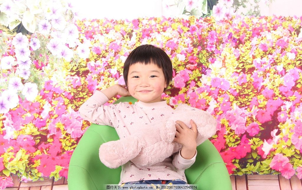 可爱女孩 可爱双胞胎 小女孩 5岁幼儿 双胞胎 儿童幼儿 人物图库 摄影