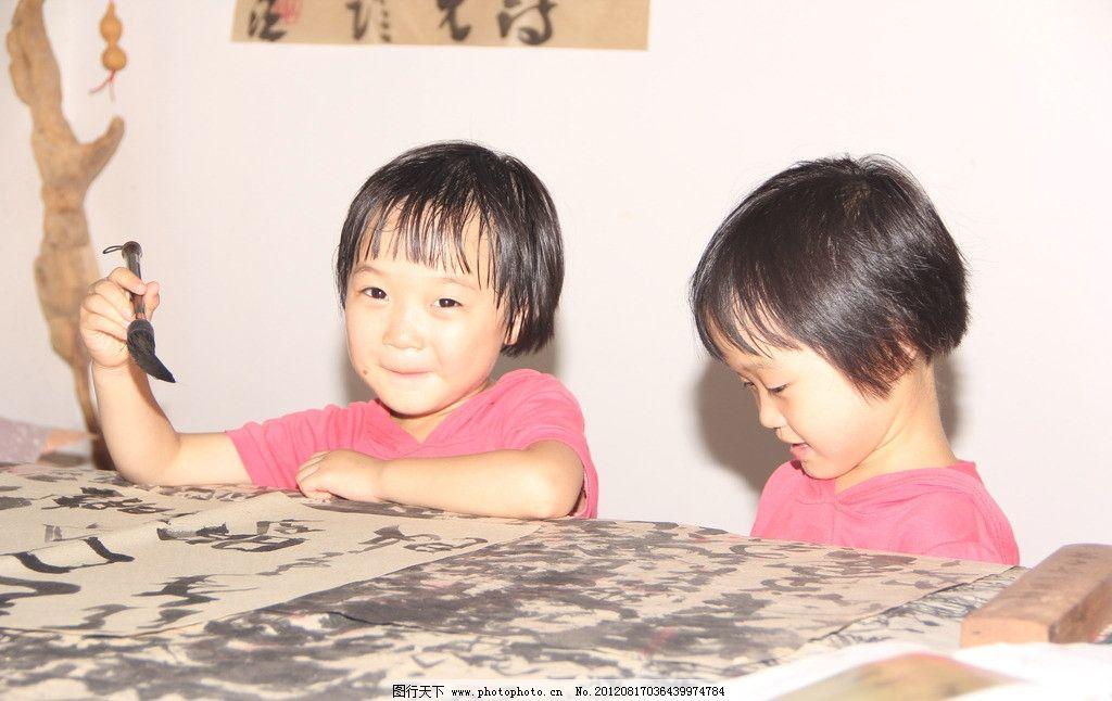 可爱双胞胎图片