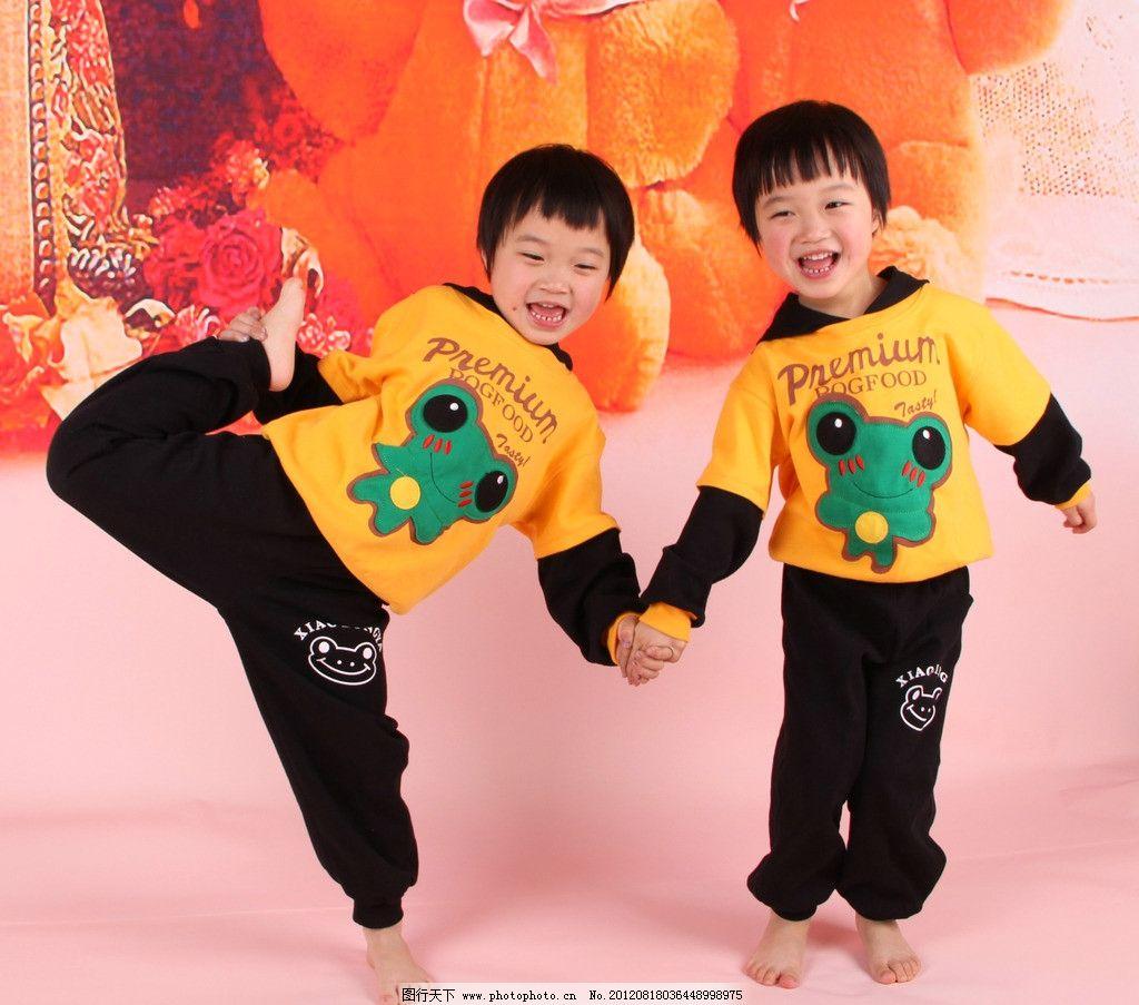 可爱女孩 可爱双胞胎 5岁儿童 小女孩 双胞胎 儿童幼儿 人物图库 摄影
