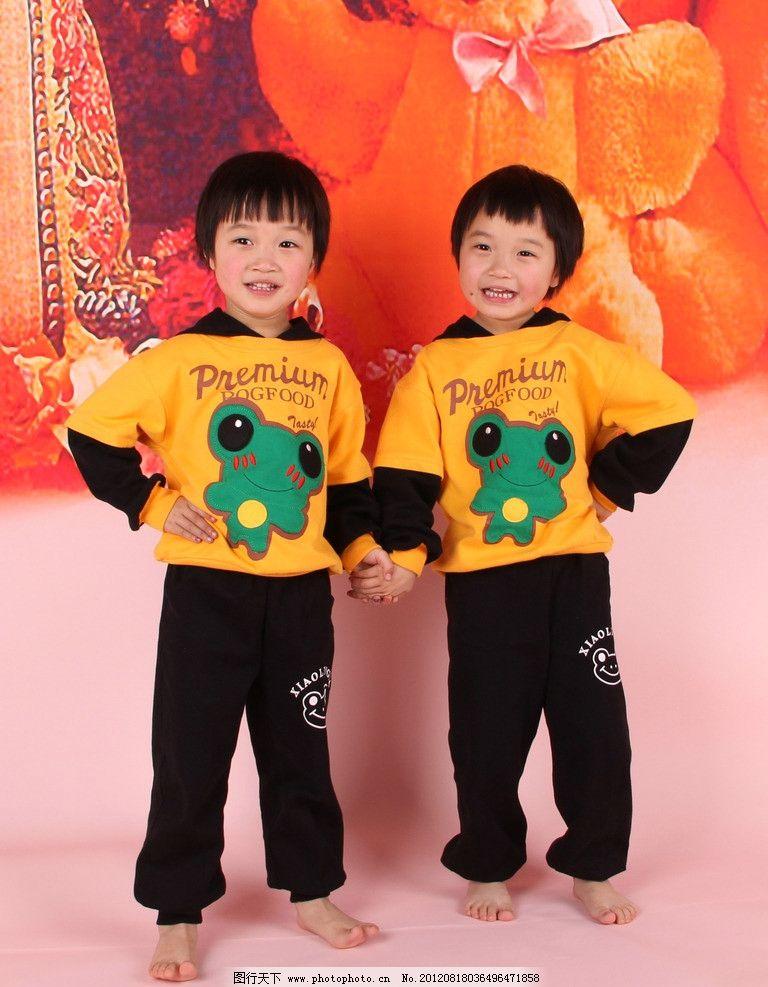 可爱女孩 可爱双胞胎 小女孩 5岁儿童 双胞胎 儿童幼儿 人物图库 摄影