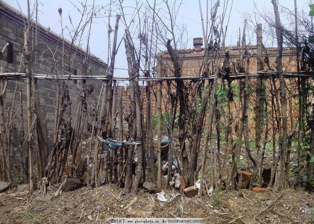 栅栏 木栅栏 围栏 木桩