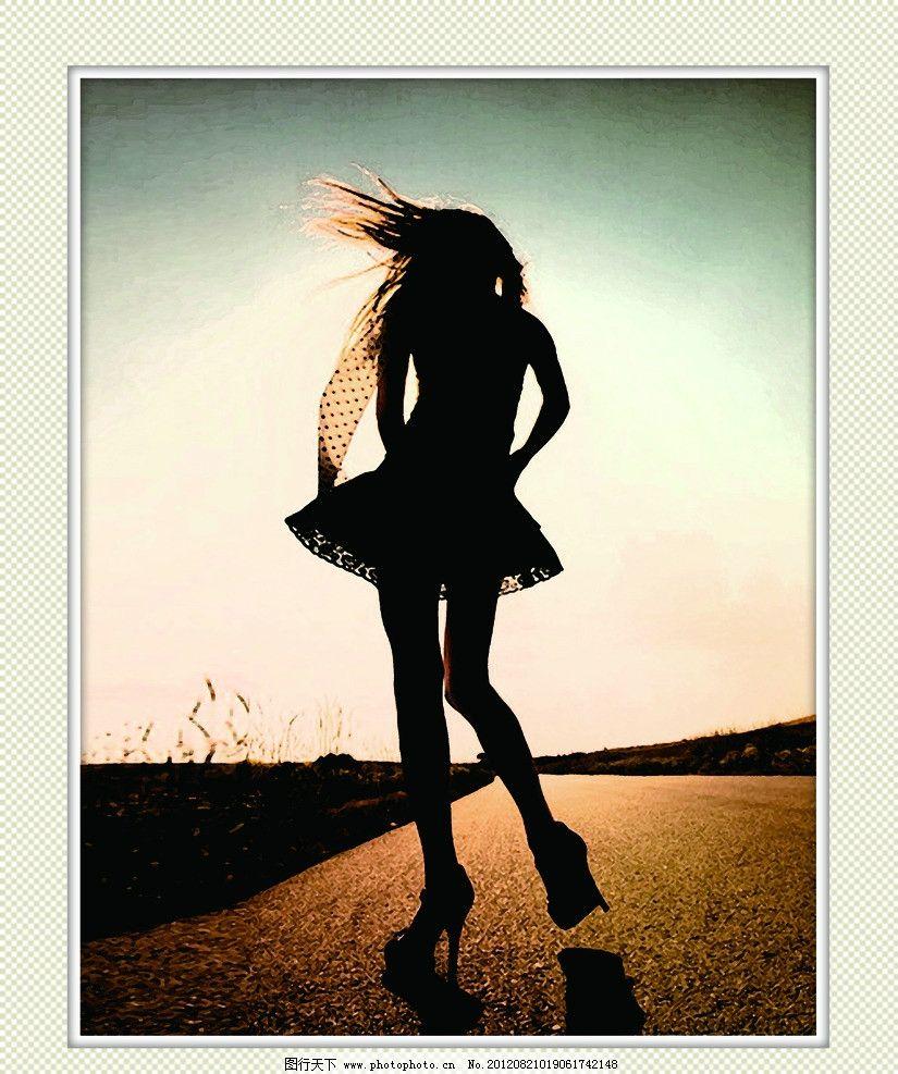 背影 人 人物 人物画 公路漫步 女孩背影 马路 公路 黄昏背影 人物
