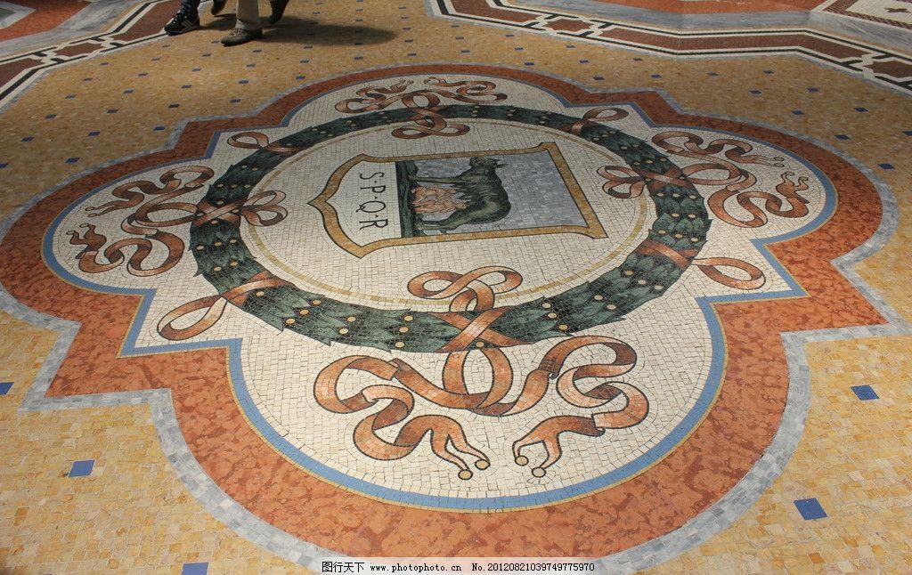 伊曼妞尔二世拱廊马赛克地面图片