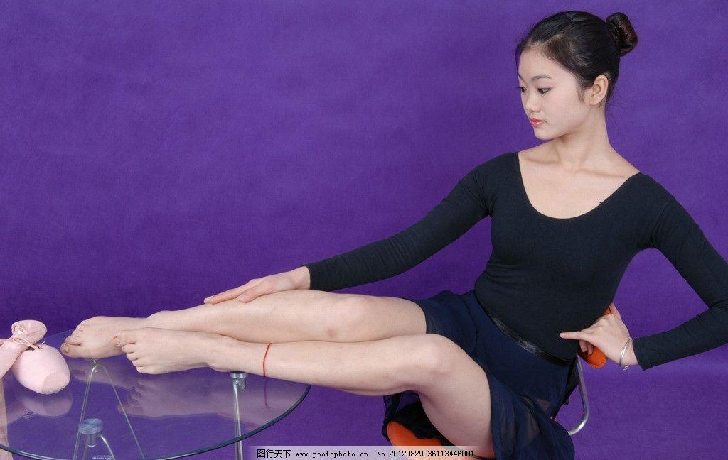 舞蹈女孩 女孩 芭蕾女孩 芭蕾舞 舞鞋 雪白 学生 艺术学院 玉足 美足