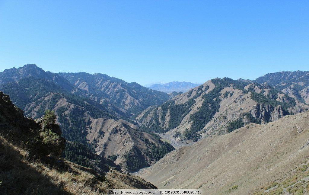 乌鲁木齐狼谷 乌鲁木齐 天山 狼谷 蓝天 山峦 自然风景 自然景观 摄影