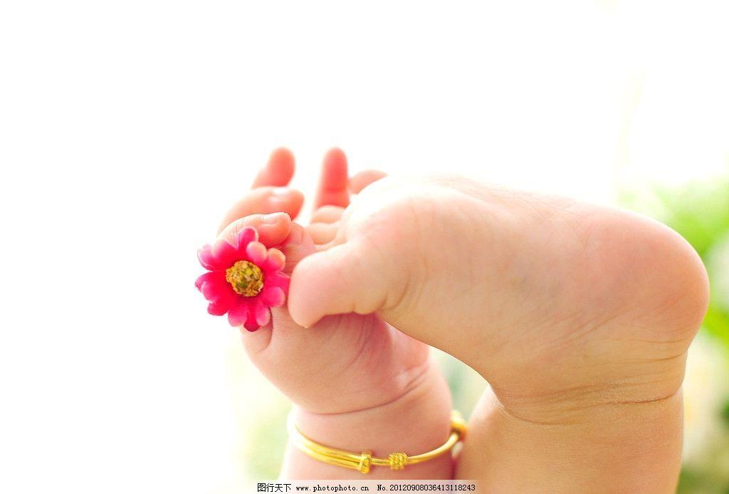 手脚特写 幼儿 男宝宝 百日照 可爱宝宝 儿童摄影 儿童幼儿 人物图库