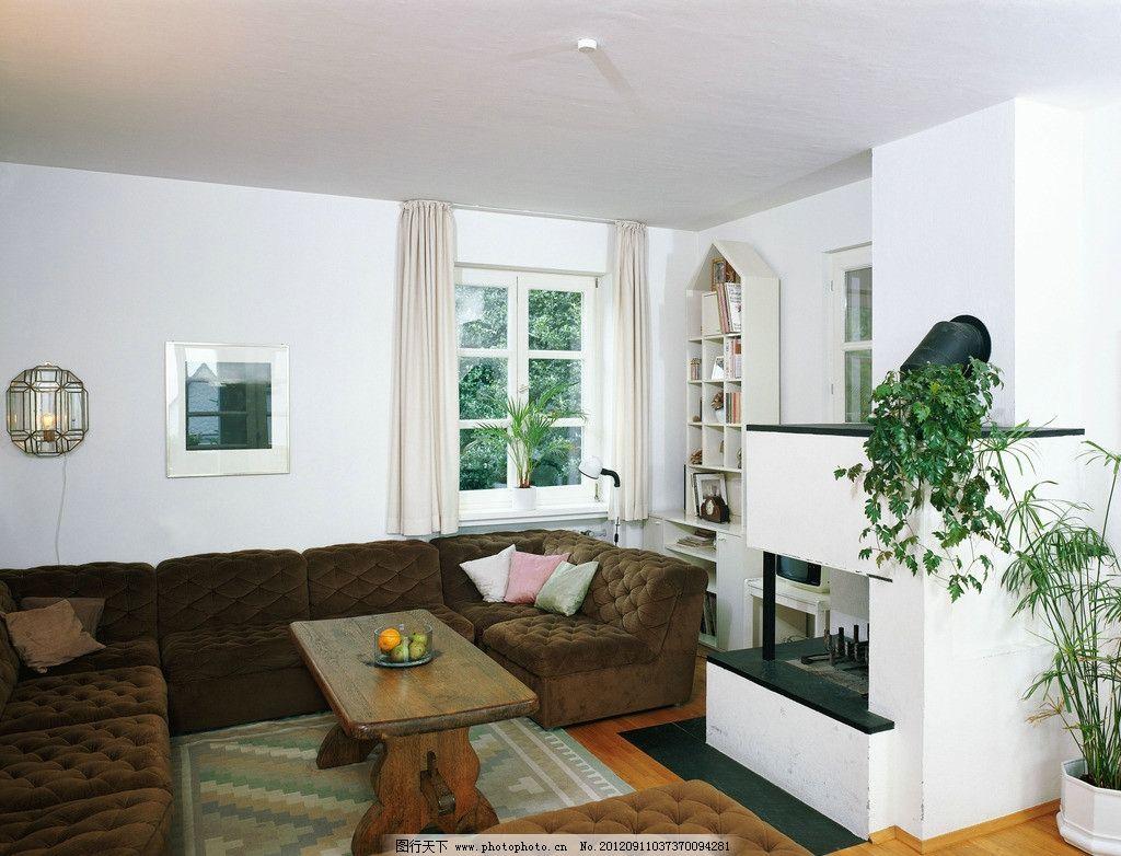 陋室家居 客厅 沙发 落地灯 白色沙发 欧式 地毯 植物 家庭