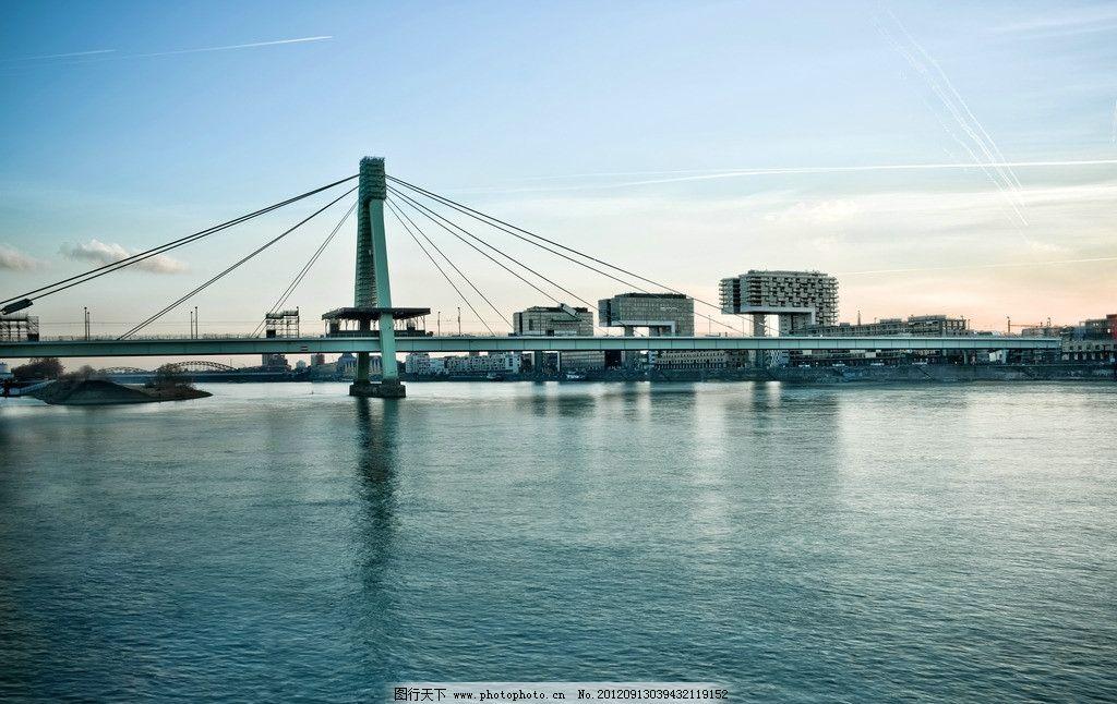 现代大桥图片
