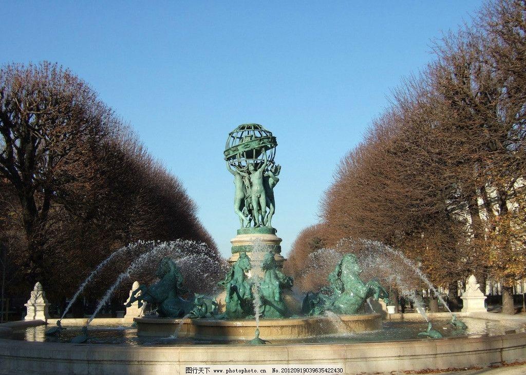 国外马匹青铜色喷泉图片