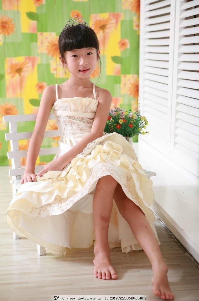 女孩 可爱 小女孩 儿童服装摄影 儿童幼儿 人物图库 摄影 72dpi jpg