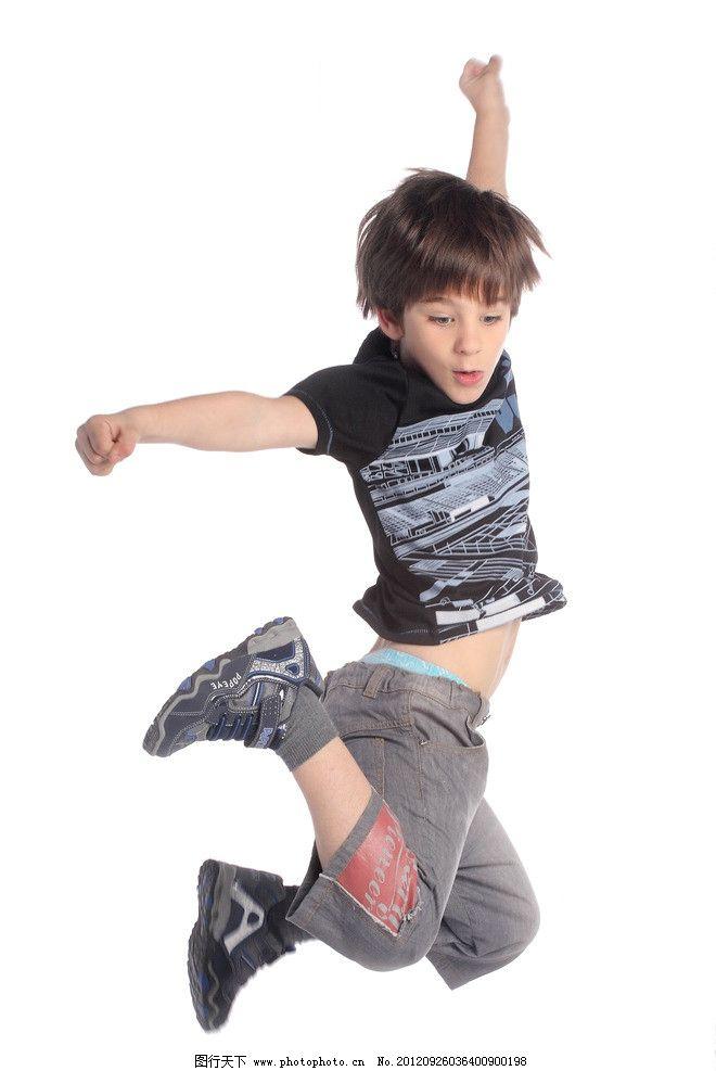 小朋友 男童 童装 小男孩 男孩 运动 跳跃 空中飞人 运动鞋 小朋友