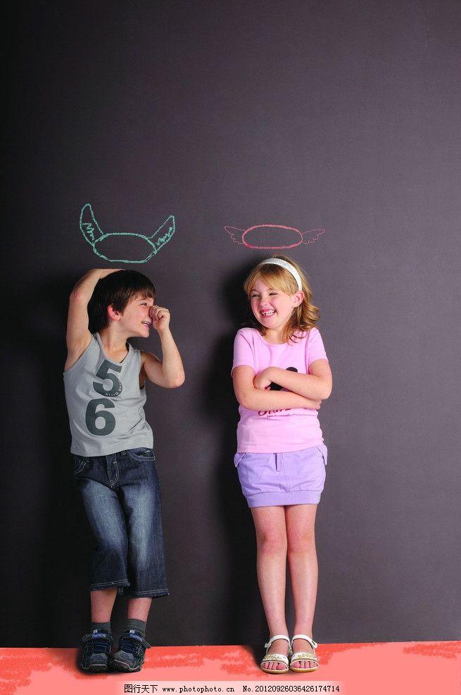 小朋友 男童 童装 小男孩 男孩 粉笔画 女童 小模特 小美女 小女孩 小