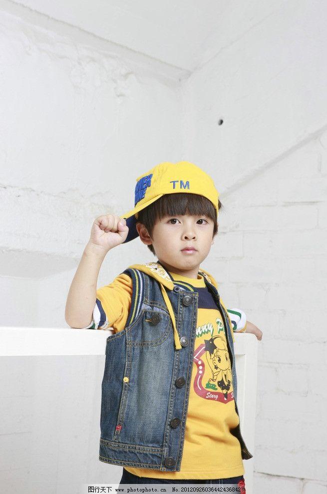 小朋友 男童 童装 小男孩 男孩 小朋友摄影 儿童幼儿 人物图库 摄影