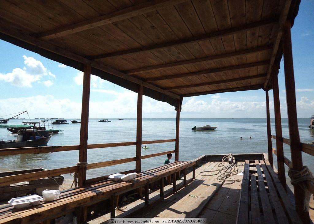 木船 传统艺术 水面 远山 蓝天 白云 传统文化 文化艺术 摄影 72dpi j