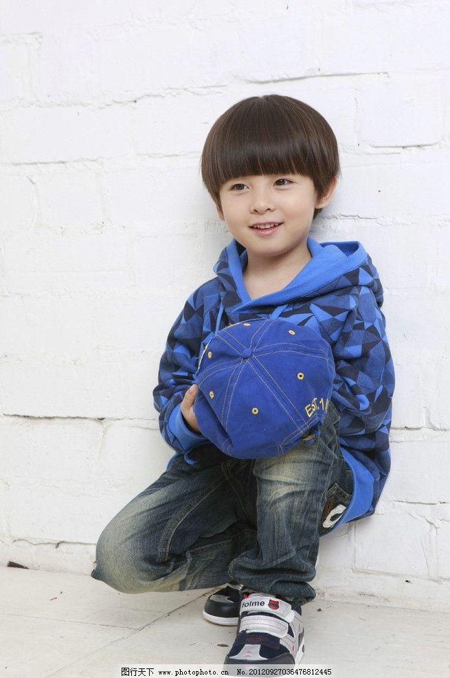 小朋友 男童 童装 小男孩 男孩 儿童装摄影 儿童幼儿 人物图库 摄影